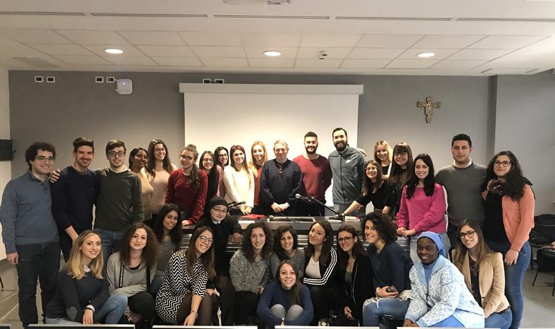 Studenti Università Cattolica con il Prof. Guiducci