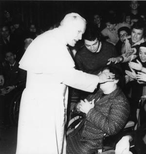Il Prof. Guiducci con San Giovanni Paolo II
